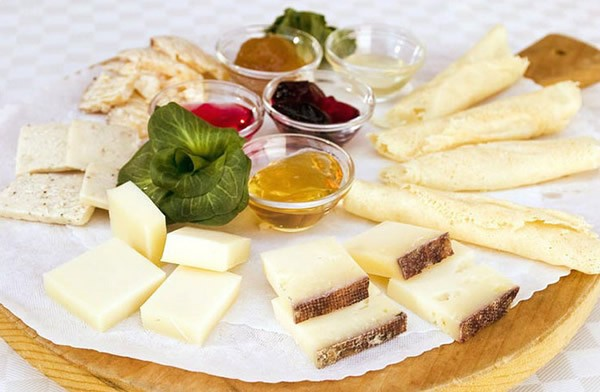 Сheese plate and five kinds of jam #cheeseplate #cheeseslicer